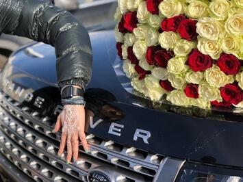 Розы и Range Rover